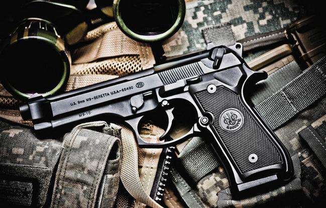 Pistola BERETTA 92FS, l'arma perfetta