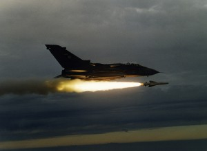 Tornado spara missile