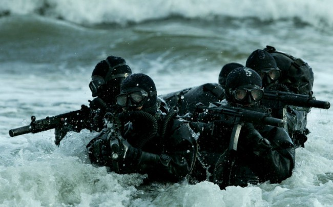 US Navy SEALS con MP5