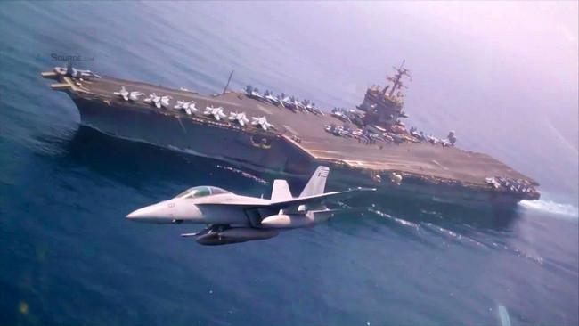 F-18 decolla da USS Enterprise