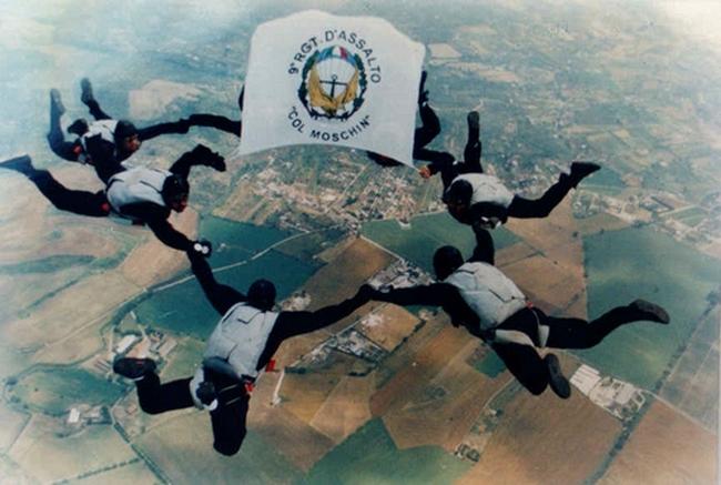 "IX Reggimento d'Assalto ""Col Moschin"" - Lancio dimostrativo"