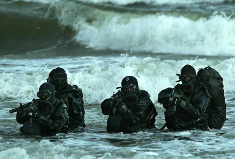 US Navy SEALS con MP5
