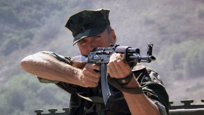 Gunny Highway con AK-47